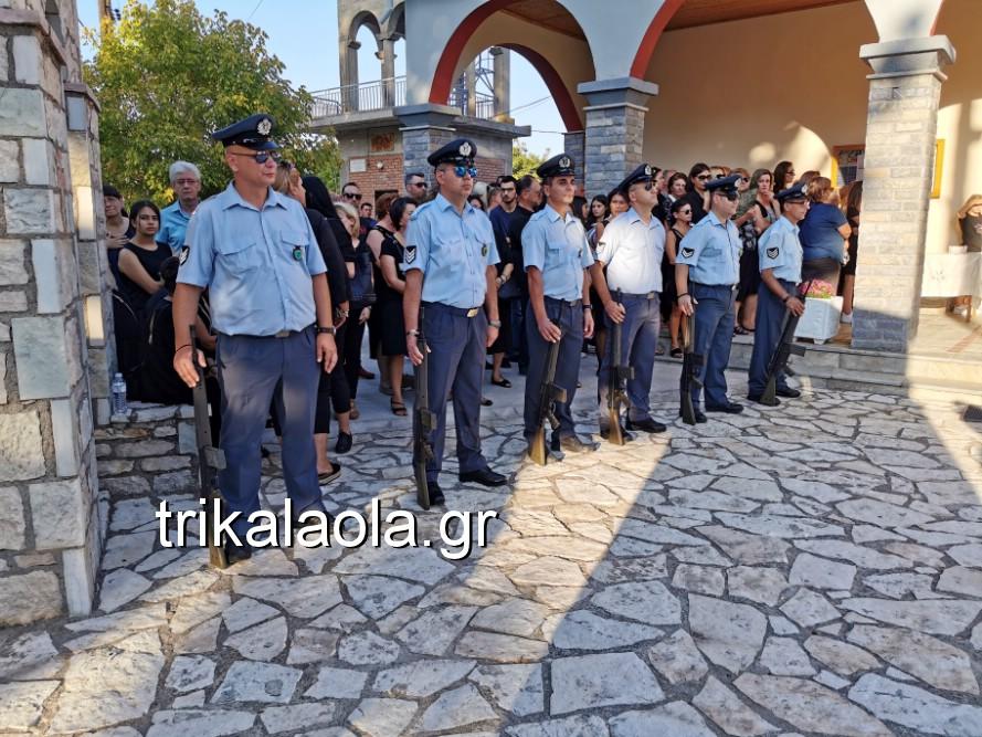 khdeia gkamplionhs alexandros 1 - Σπαραγμός στην κηδεία του 25χρονου Τρικαλινού αστυνομικού