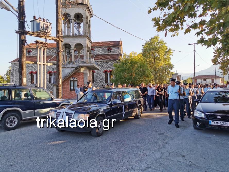 khdeia gkamplionhs alexandros 13 - Σπαραγμός στην κηδεία του 25χρονου Τρικαλινού αστυνομικού