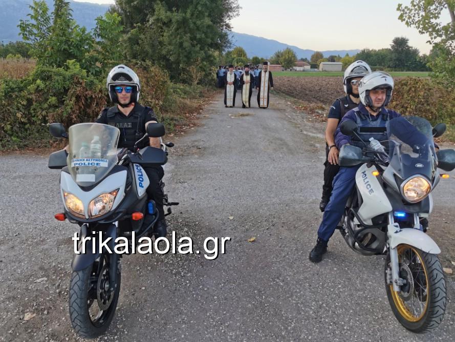 khdeia gkamplionhs alexandros 15 - Σπαραγμός στην κηδεία του 25χρονου Τρικαλινού αστυνομικού