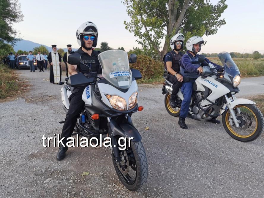 khdeia gkamplionhs alexandros 16 - Σπαραγμός στην κηδεία του 25χρονου Τρικαλινού αστυνομικού