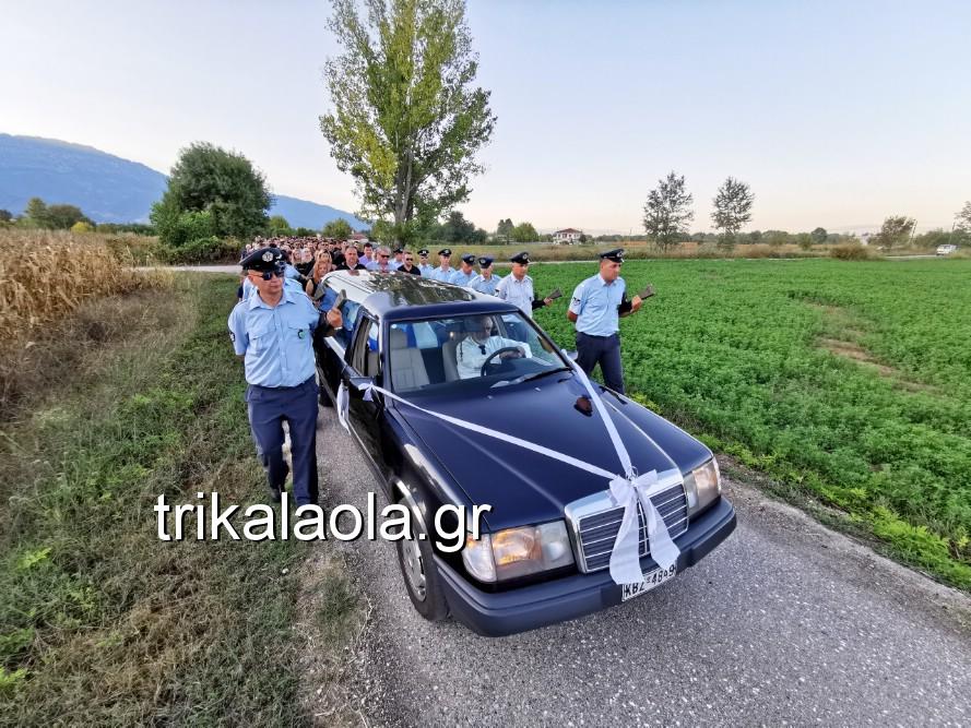 khdeia gkamplionhs alexandros 17 - Σπαραγμός στην κηδεία του 25χρονου Τρικαλινού αστυνομικού