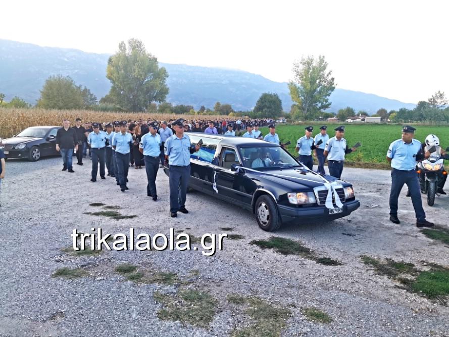 khdeia gkamplionhs alexandros 19 - Σπαραγμός στην κηδεία του 25χρονου Τρικαλινού αστυνομικού