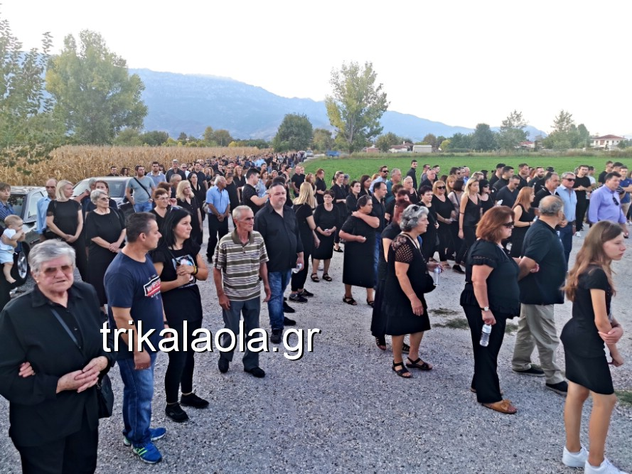khdeia gkamplionhs alexandros 20 - Σπαραγμός στην κηδεία του 25χρονου Τρικαλινού αστυνομικού