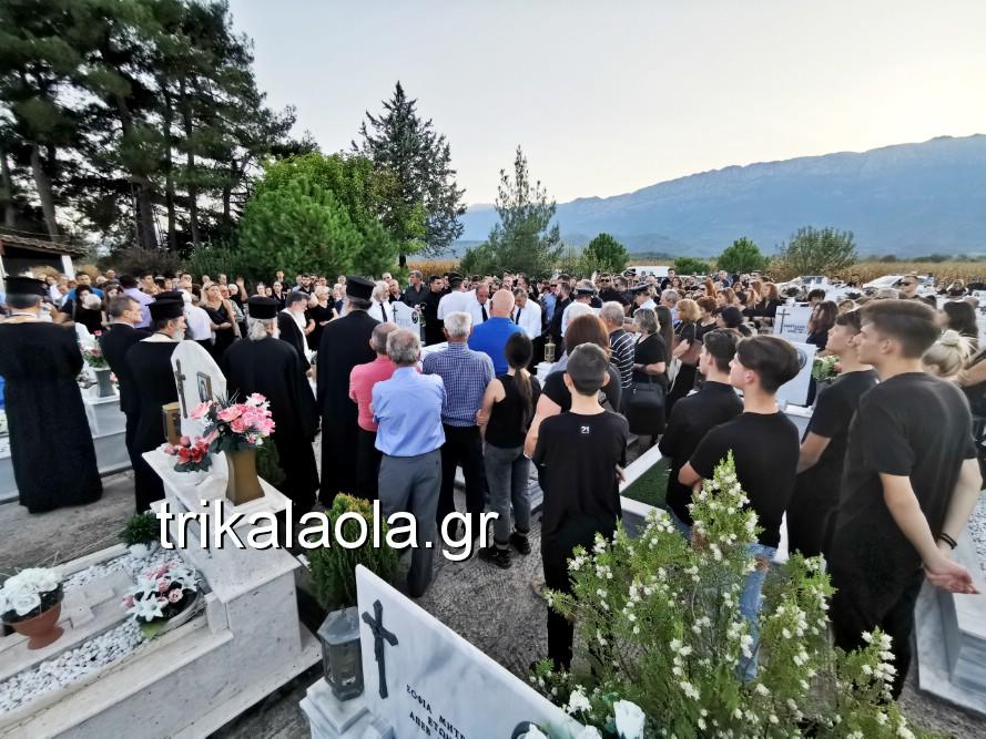 khdeia gkamplionhs alexandros 25 - Σπαραγμός στην κηδεία του 25χρονου Τρικαλινού αστυνομικού