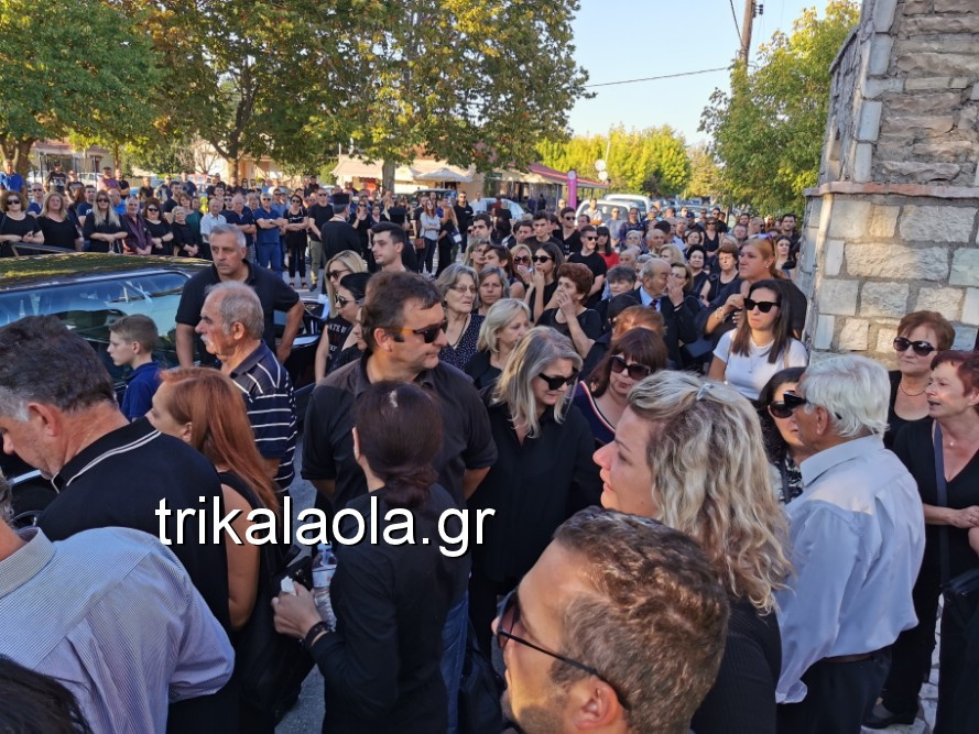 khdeia gkamplionhs alexandros 8 - Σπαραγμός στην κηδεία του 25χρονου Τρικαλινού αστυνομικού